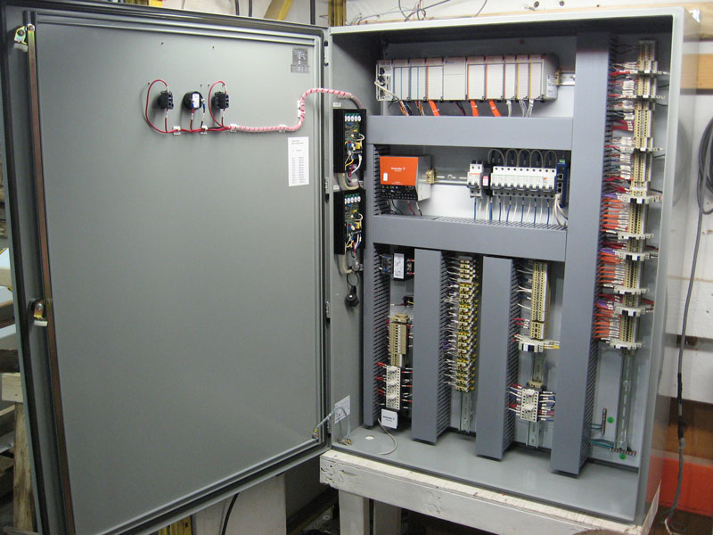 How do you hook up a 30 amp breaker